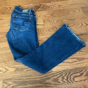 American Eagle women's blue flared jeans Y2K